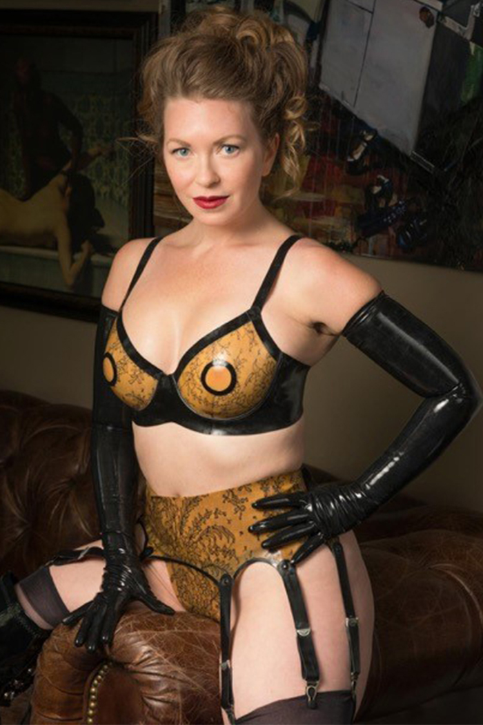 Dominatrix Tube